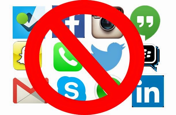 stay off social media during work from home